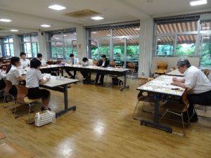 教員採用試験対策講座(集団討論指導の様子)