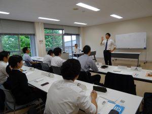 講座での模擬授業の様子