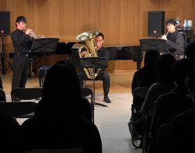 12月11日(水)、本学甲府キャンパス大村記念ホールにおいて、2019年度「第4回水曜イブニングコンサート」が開催されました